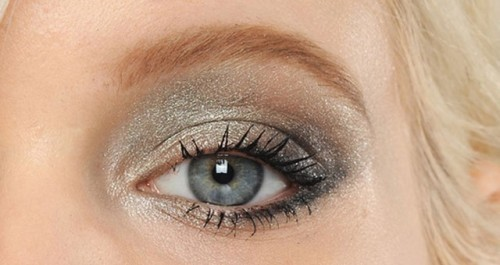 dica ano novo make dourada prateada brandsclub 500x265 - O que você PODE deixar de fazer em relação à beleza?