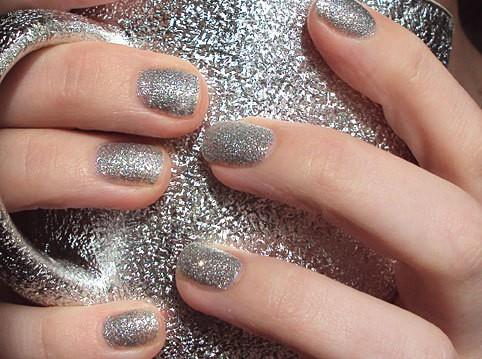unhas glitter prateadas - Guia completo para unhas perfeitas