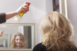 iStock 000035309560 Double 300x200 - Como construir cabelos ondulados perfeitos