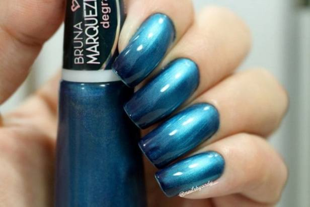 degrade azul 1 assinado 1024x683 680x454 - Esmalte degradê Bruna Marquezine - cores incríveis