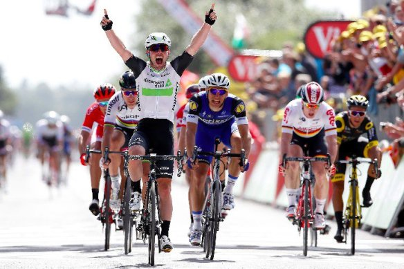 Etappewinst en geel voor Cavendish   etappe 1 Tour de France 2016