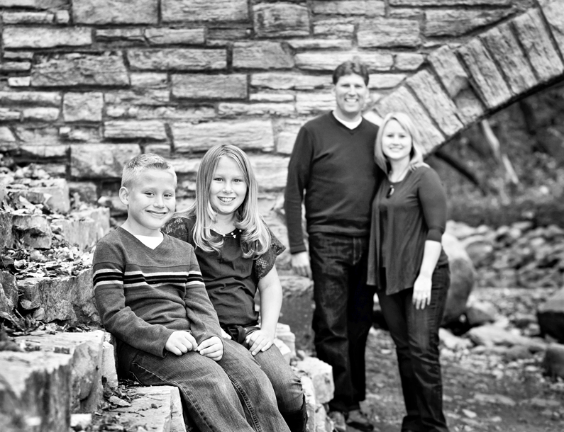 Family Portraits - Minnehaha Falls Park Minneapolis MN