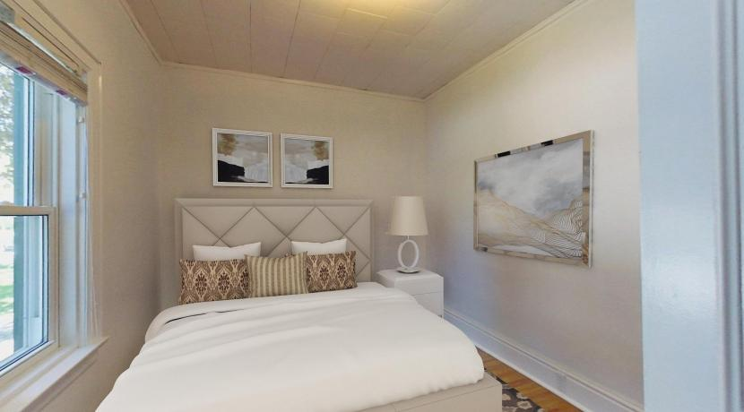 15605130423_masterbedroom