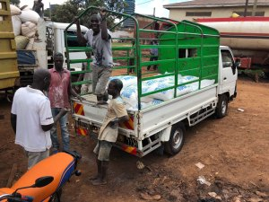 Food-Delivery-Truck-for-Slums