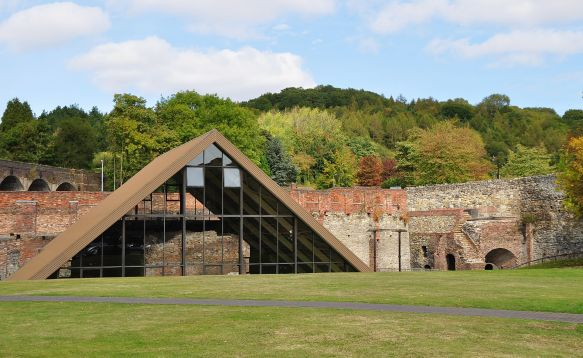 El horno alto de Darby, que ahora forma parte del Coalbrookdale Museum of Iron. Helen Simonsson, Wikimedia Commons