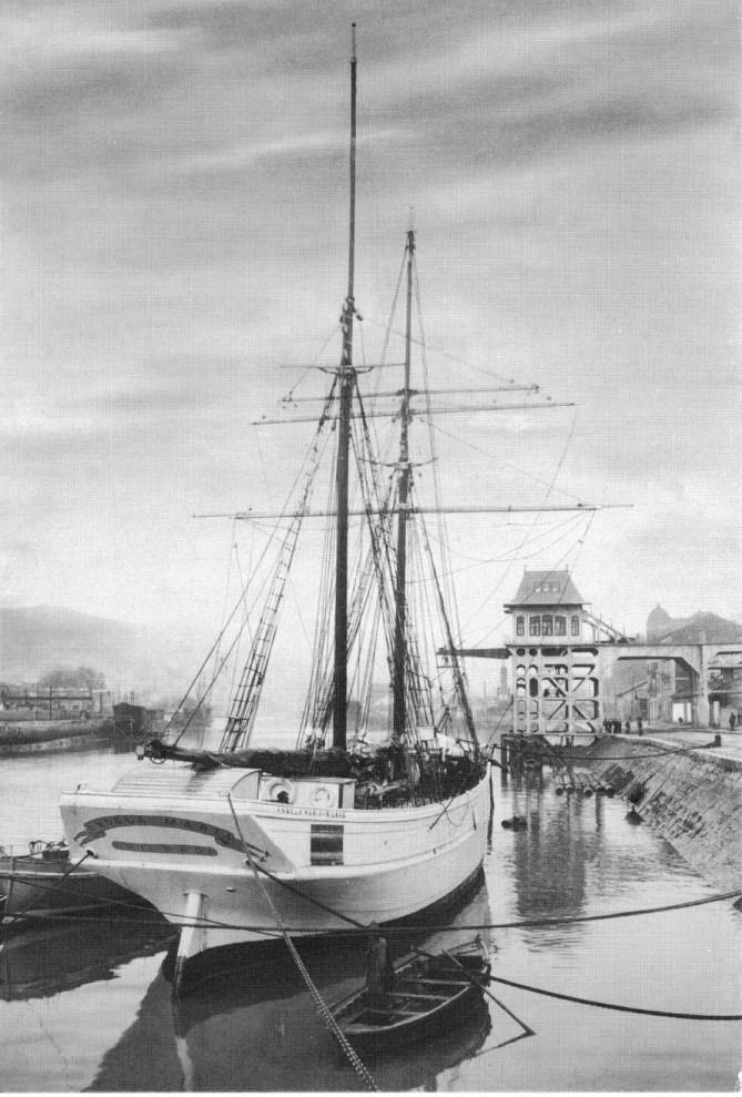 La Goleta Ángela Mº ante el cargadero de Olabeaga