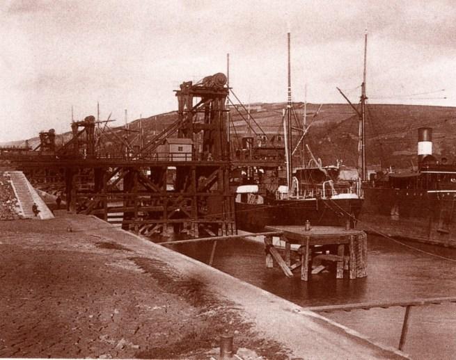 Los cargaderos de la Cia. Orconera en 1883. / Cia Orkoneraren kargategiak, 1883an