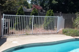 Choosing the right Pool Fence - Patriot Fence Crafters