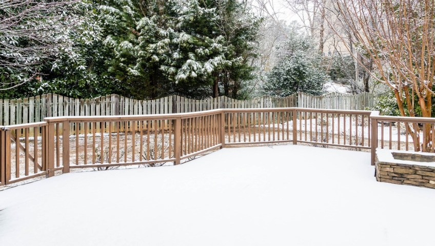 Winter Fence Maintenance Tips