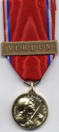 403e02e43e1d3a Medal of Verdun, original Vernier version, awarded to Lieutenant Glenn A.  Ross.