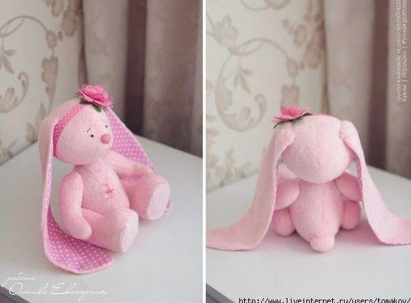coneja rosa orejas largas