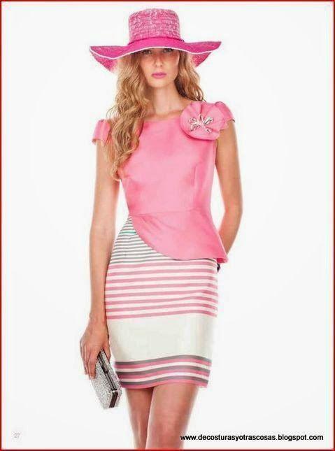 Vestido muy femenino que estiliza la figura - Patrones gratis