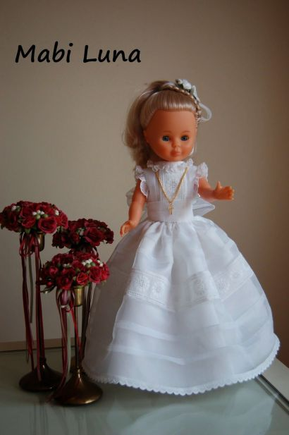 vestido de comunion para la muñeca nancy