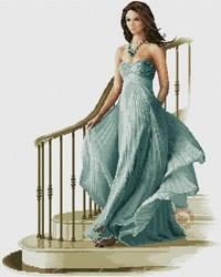 Mujer bajando las escaleras punto de cruz