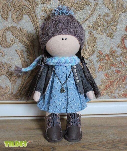 muñeca rusa de azul