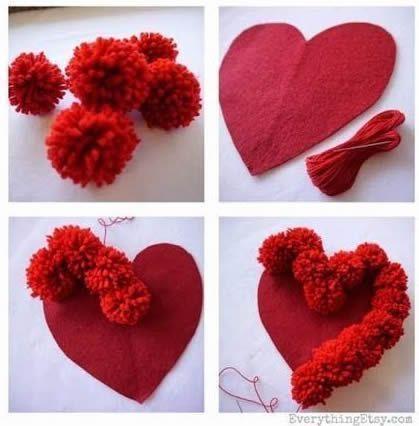 como hacer un cojin corazon con pompones