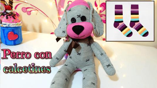 perro hecho con calcetines