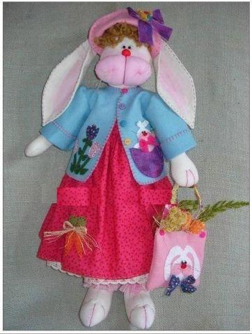 Muñeca coneja con vestido