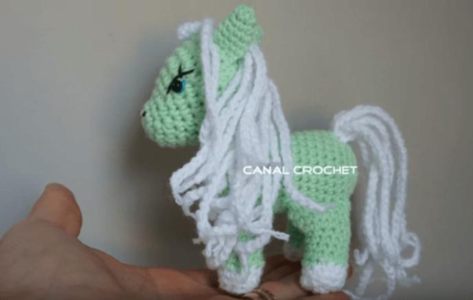 Pequeno pony amigurumi con tutorial - Patrones gratis