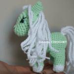 Pequeño pony amigurumi con tutorial