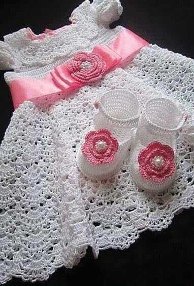 Patrones gráficos de vestidos para bebés en crochet - Patrones gratis b761f439cdf