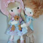 Pareja de muñecos enamorados