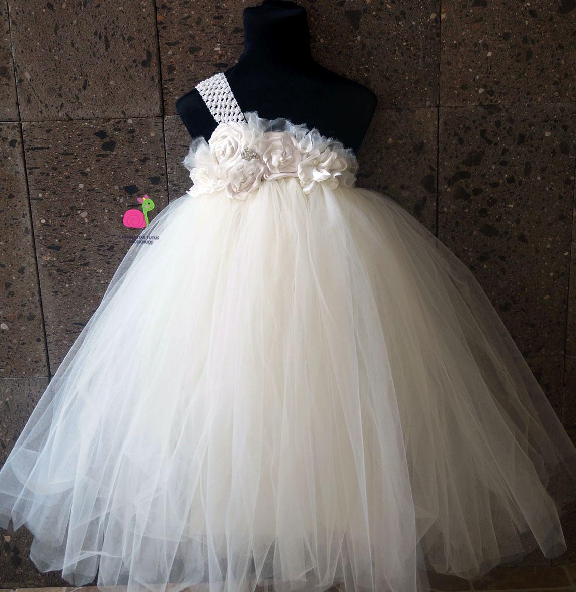 eefed41d66 Vestido de princesa con tul para niña - Patrones gratis