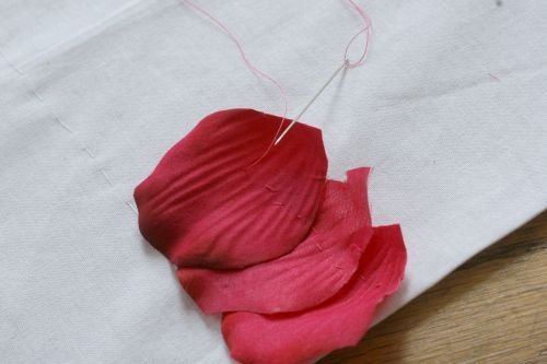 bolsos de piel y petalos (9)