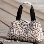 Bolso crochet de flor africana