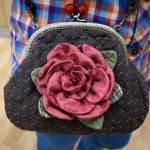 DIY para hacer un bolso con rosa acolchado