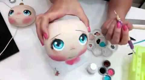 Pintar la cara de las muñecas de tela fácilmente