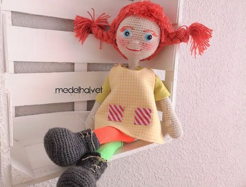 DIY Muñeca amigurumi Pipi Calzaslargas