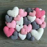 DIY Cojín de corazones a crochet