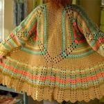 Cárdigan abrigo de hexágonos tejido a crochet