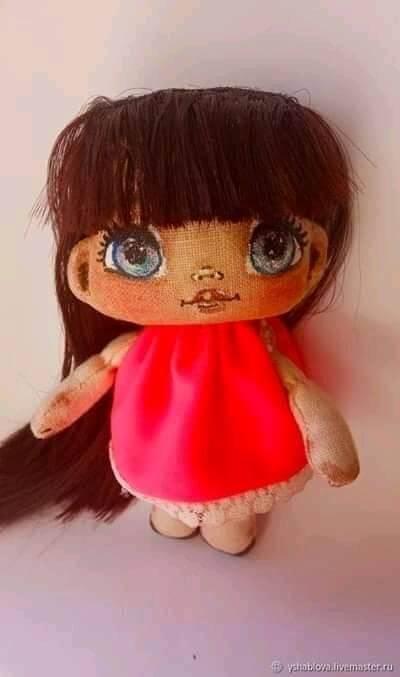 DIY Mini muñeca de tela con patrón