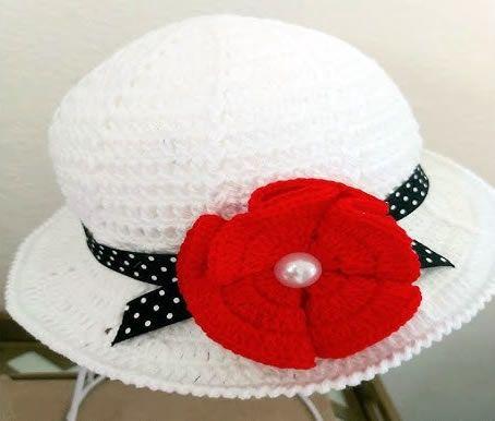 Sombrero para niña de verano tejido a crochet