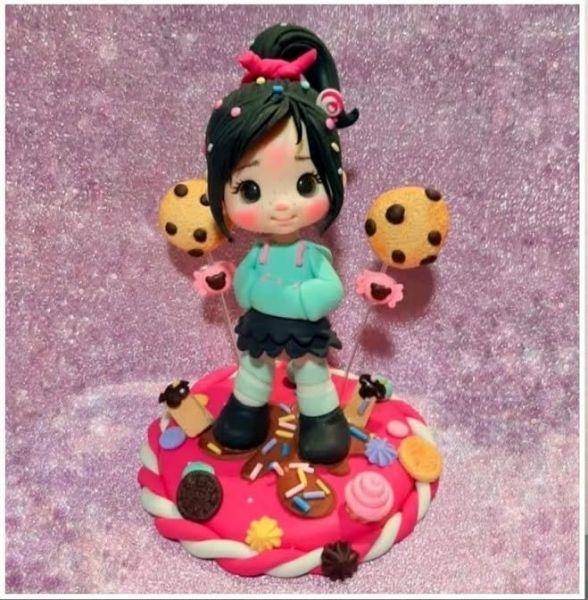 Muñeca Vanellope en porcelana fría