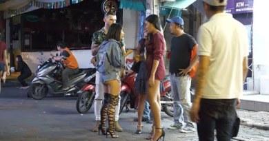 Evening Scene in Pattaya Walking Avenue 2019 August
