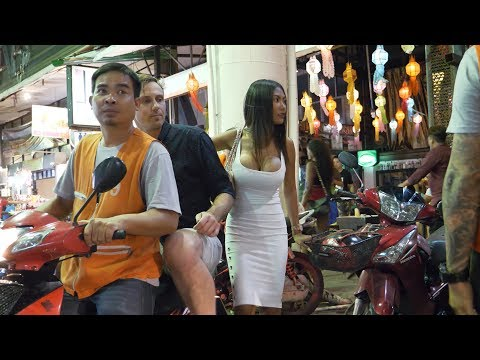 Friday night in walking boulevard pattaya 2019 august