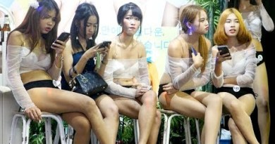 Saturday Night In Strolling Aspect road Pattaya