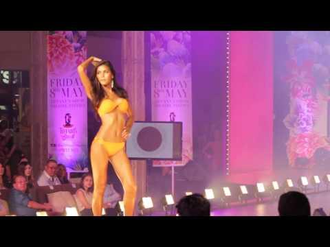 Omit Interesting Huge title – Omit Tiffany's Universe Ladyboy Swimsuit Contest – Pattaya, Thailand 2015