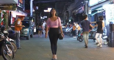 Tuesday night in strolling boulevard pattaya