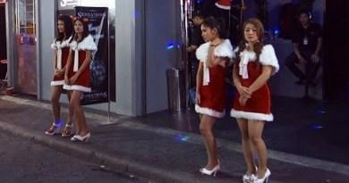 Pattaya Walking Avenue Nightlife GoGo Girs on Christmas Part2 HAPPY NEW YEAR 2014