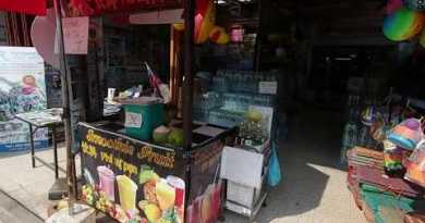 PATTAYA — No Vacationer On Beach Twin carriageway (Jomtien), What's Going On in The LOS?