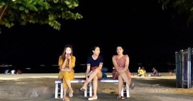 (4K)Waiting on Seaside Avenue Center of the evening Pattaya October 2019