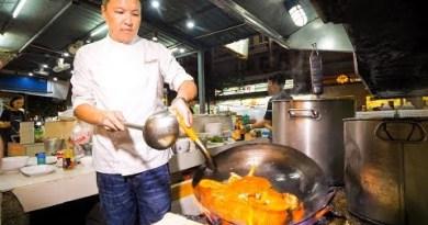 The IRON CHEF CHAMPION of Thailand – Insane THAI FOOD Cooking Skills in Bangkok!