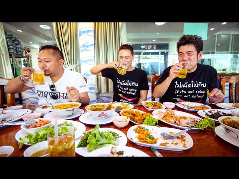 Spiciest THAI FOOD – Crude Sizzling Curry + BEER SNOW in Bangkok, Thailand!