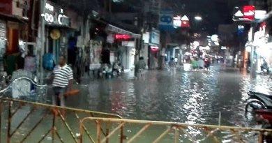 Pattaya walking dual carriageway house flooding 16 sep 2015