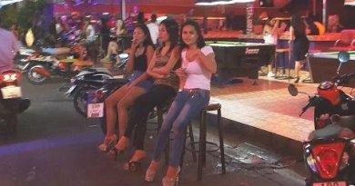 Pattaya Nightlife Soi 8 Beer Bars, Girls and Ladyboys at low season.
