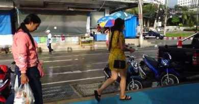 Pattaya // Jomtien Police Put Ragged As Rain Shelter